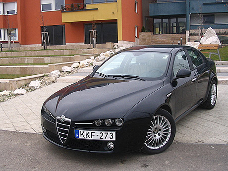 az olasz cs d r alfa romeo 159 3 2 jts v6 q4 distinctive. Black Bedroom Furniture Sets. Home Design Ideas