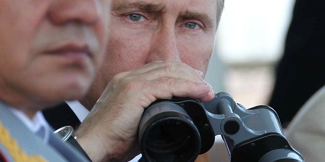 Tízezer katonát küldenek az oroszok a nyugati határra