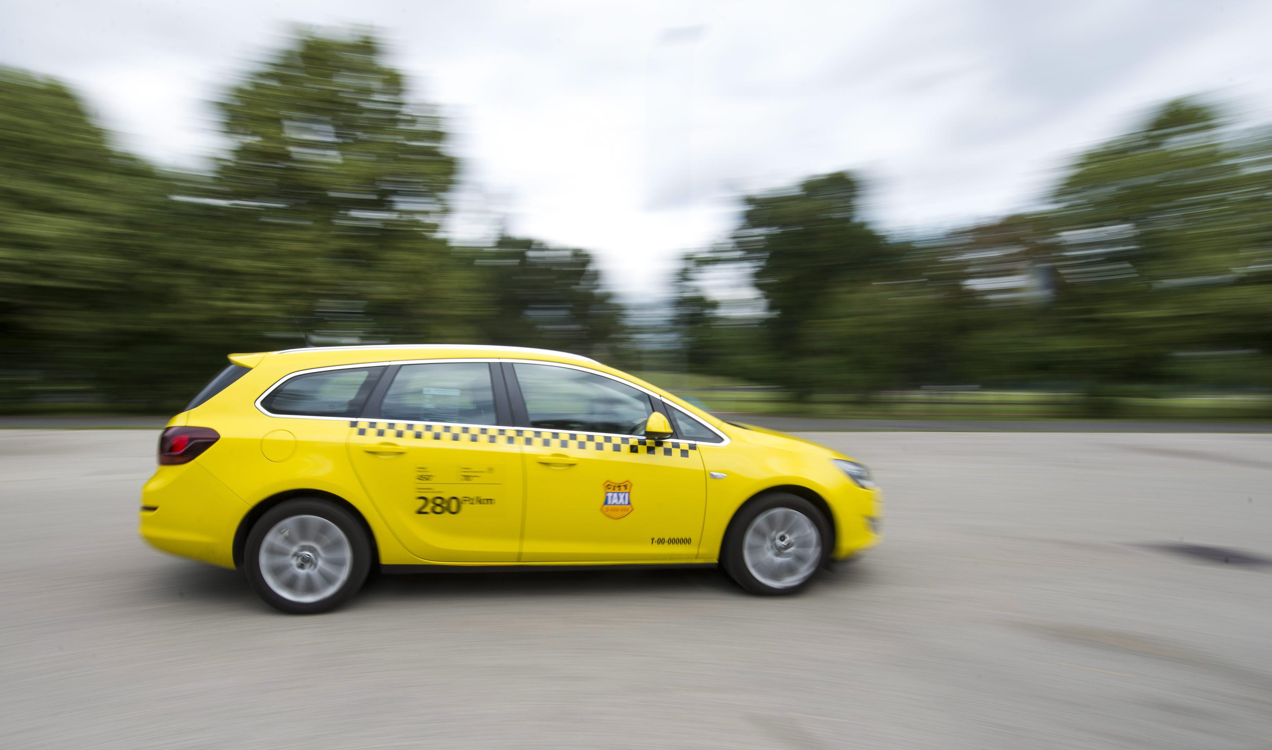 20140203sarga-taxi-illusztracio.jpg