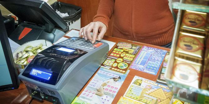 Októbertől kötelező, de még nincs új online pénztárgép
