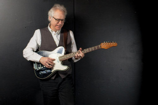 Forr�s: Bill Frisell Management
