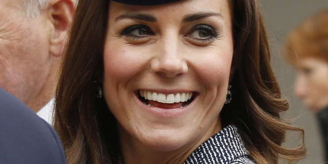 Katalin hercegn� szülei nem karácsonyozhatnak Erzsébet királyn�vel