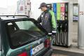 Az olcs� benzin p�rgeti a kiskereskedelmet