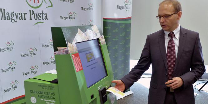 Csekkbefizet� automatákat telepít a Posta