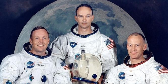 Holdraszálláskor használt tárgyakat nyúlt le Armstrong