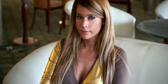 Erotikus fotókkal zsarolták Baukó Évát - Végül � maga tette közzé �ket!