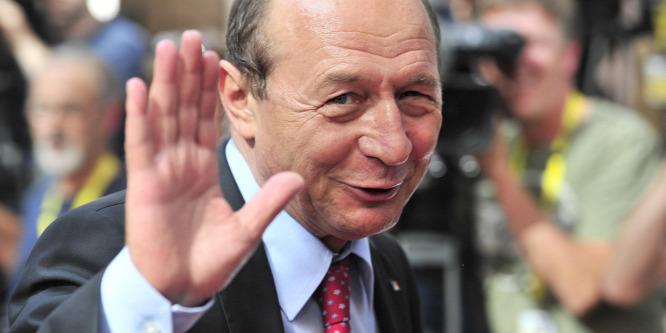 Igazgatókat zsarolhatott Traian Basescu lánya a kampány alatt
