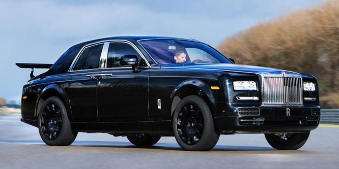 Vasalódeszkát csavaroztak a legidétlenebb Rolls-Royce-ra