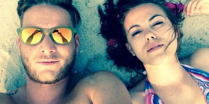 Így nyaralnak a celebek: Istenes Bence romantikázás helyett fürdött és napozott
