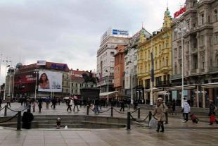Forr�s: Dar�nyi Zs�fia