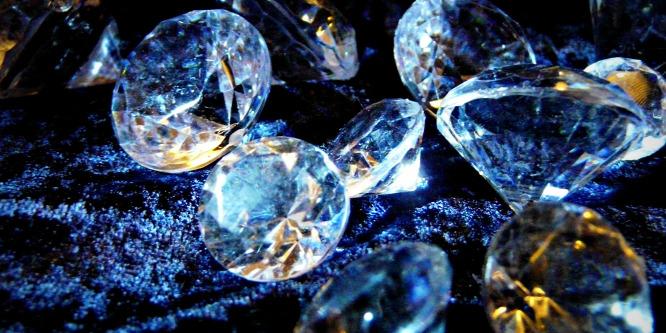 Kilenc gyémántot nyelt le egy rabló