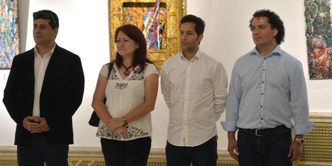 Roma képz�m�vészek kiállítása a Vigadóban