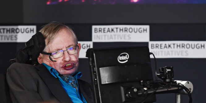 Stephen Hawking földönkívüliekre fog vadászni