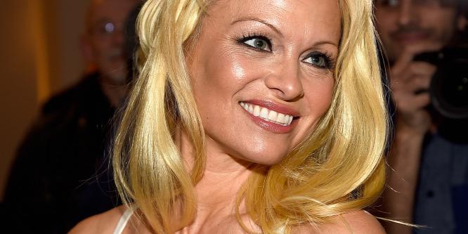 Meggyógyulhat a hepatitiszes Pamela Anderson!