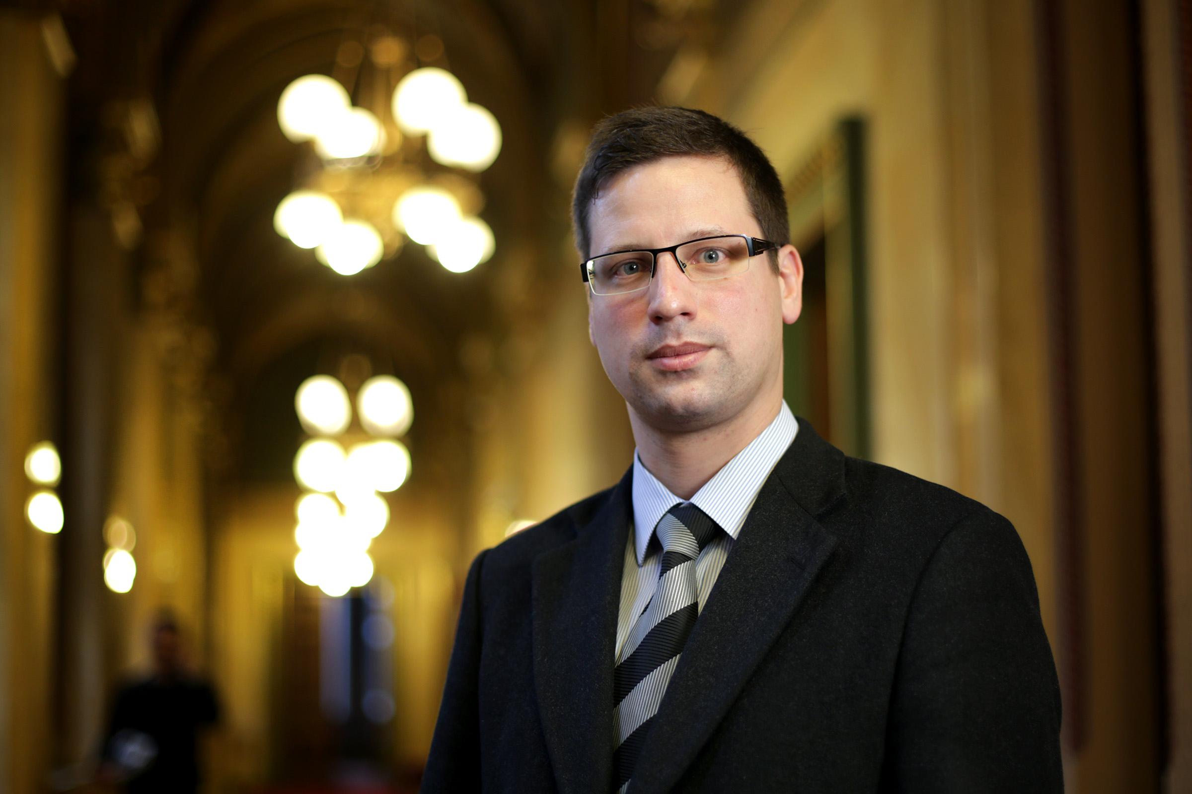 Gulyás: A Jobbik javaslata csak a terroristáknak tetszhet