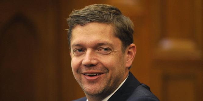 67 milliót kér a Magyar Posta az MSZP-s politikustól