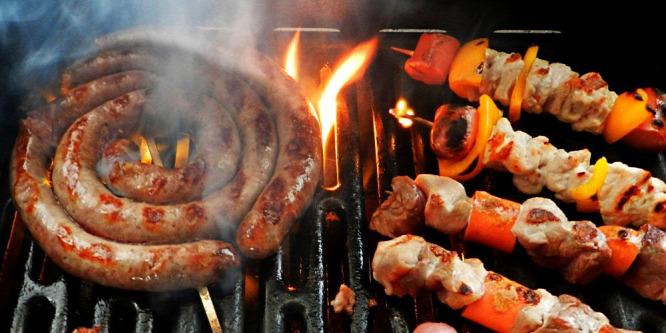 Itt a grillszezon: kerülje a hasmenést meg az erdőtüzet!