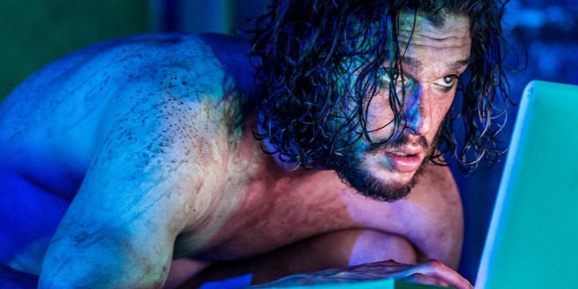 Forr�s: Kit Harington Online