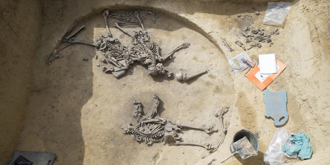 Tömegsírt találtak Franciaországban