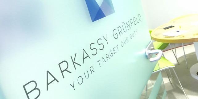 Forr�s: Barkassy Gr�nfeld �gyv�di Iroda