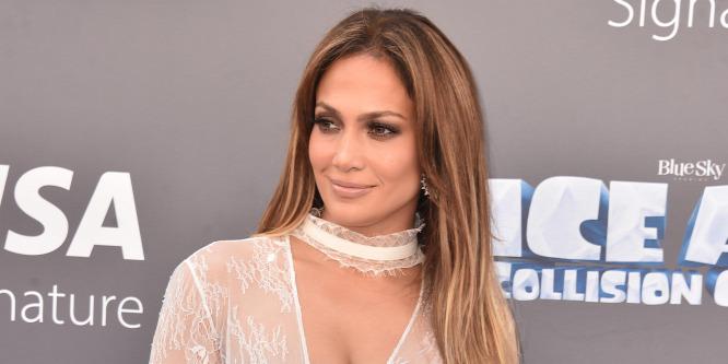 Egymillió dollárt ajánlott fel Jennifer Lopez
