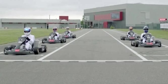 Alonso hazai pályán nyomta le Häkkinent és Coulthardot - videó