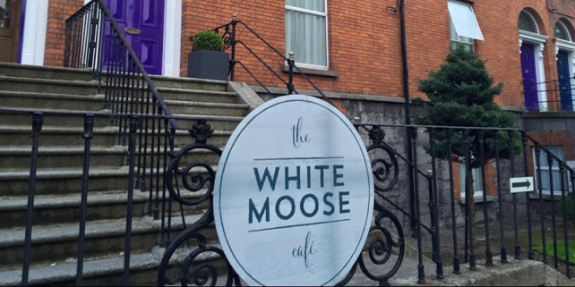 Forr�s: The White Moose/Facebook