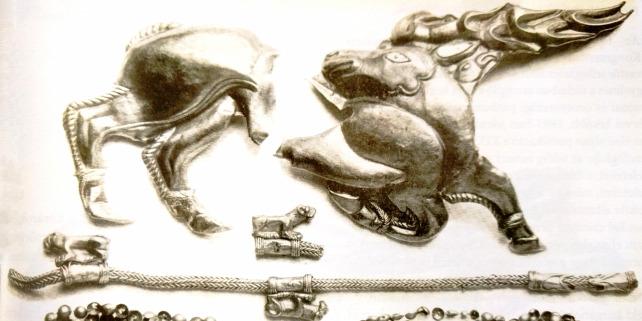 Forr�s: Reprodukci� / Emberek Aranyban: Fejedelmi s�rok leletei a sztyeppe piramisaib�l c�m� ki�ll�t�s katal�gusa