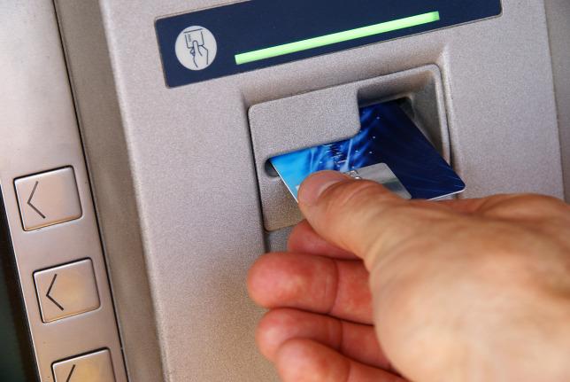 Éjszaka elloptak egy bankautomatát a trükkös tolvajok