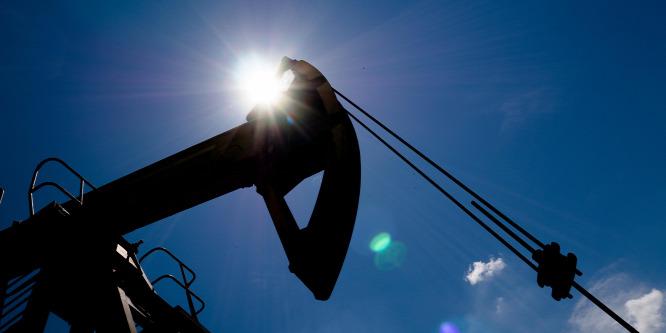 Szerdán d�l el, folytatódik-e az olajár zuhanása