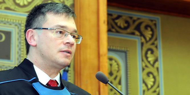 Lemondott a román hírszerzés vezet�je