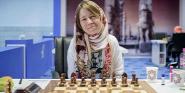 Forr�s: Chessbase.com
