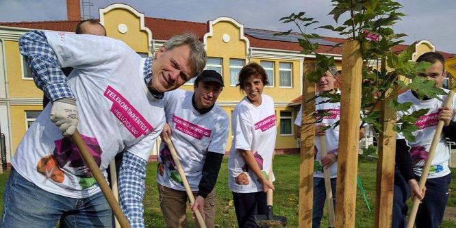 Önkéntes napot tartott a Telekom