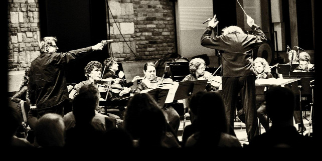 Forr�s: Concerto Budapest
