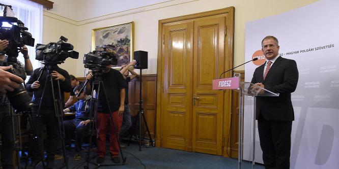 Kósa: Három frakció egyetért az alaptörvény-módosítás szövegével