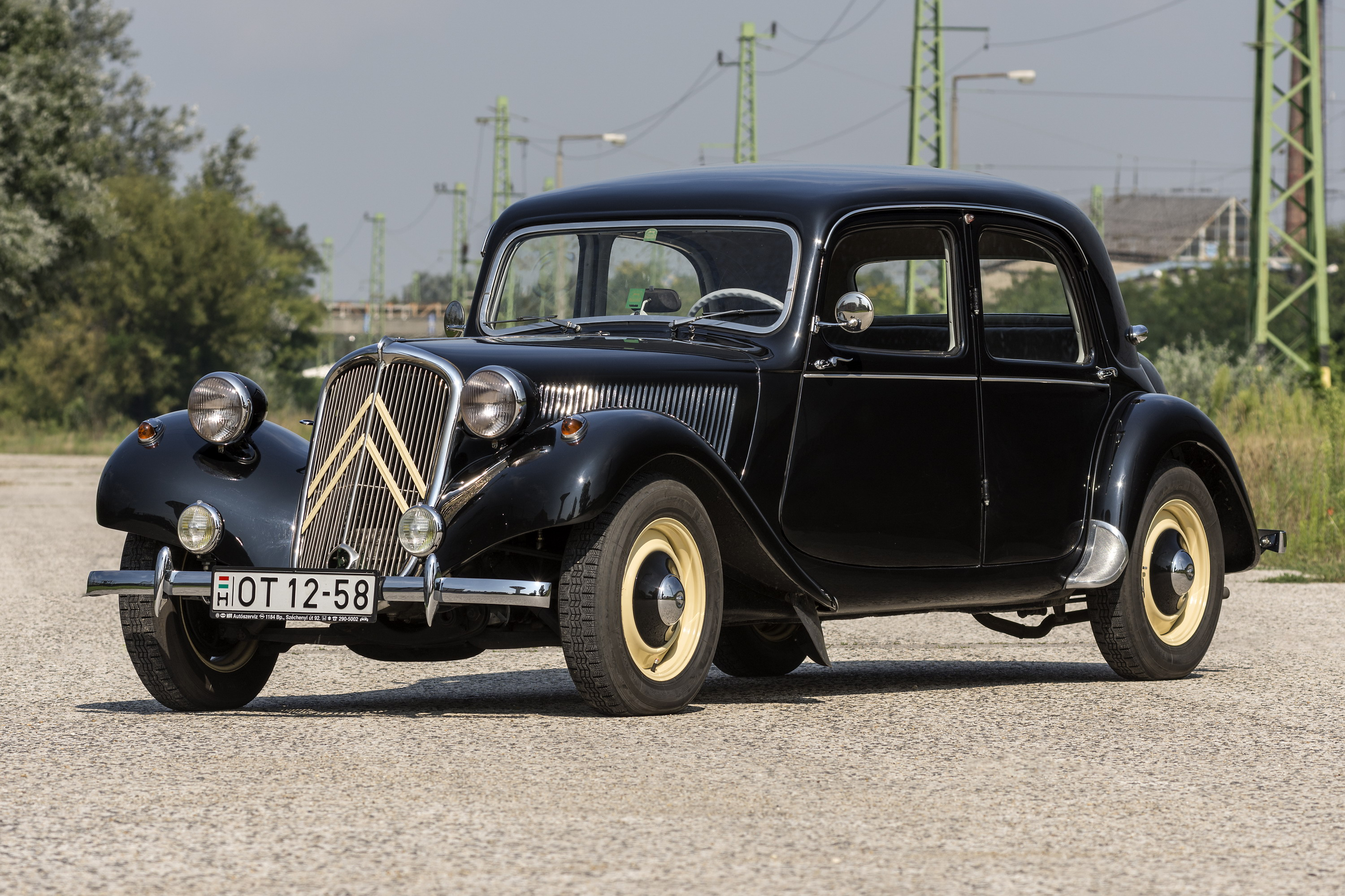 fronthajt s forradalm r citro n traction avant teszt. Black Bedroom Furniture Sets. Home Design Ideas