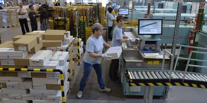 A posta állta a sarat a karácsonyi csomagrohamban