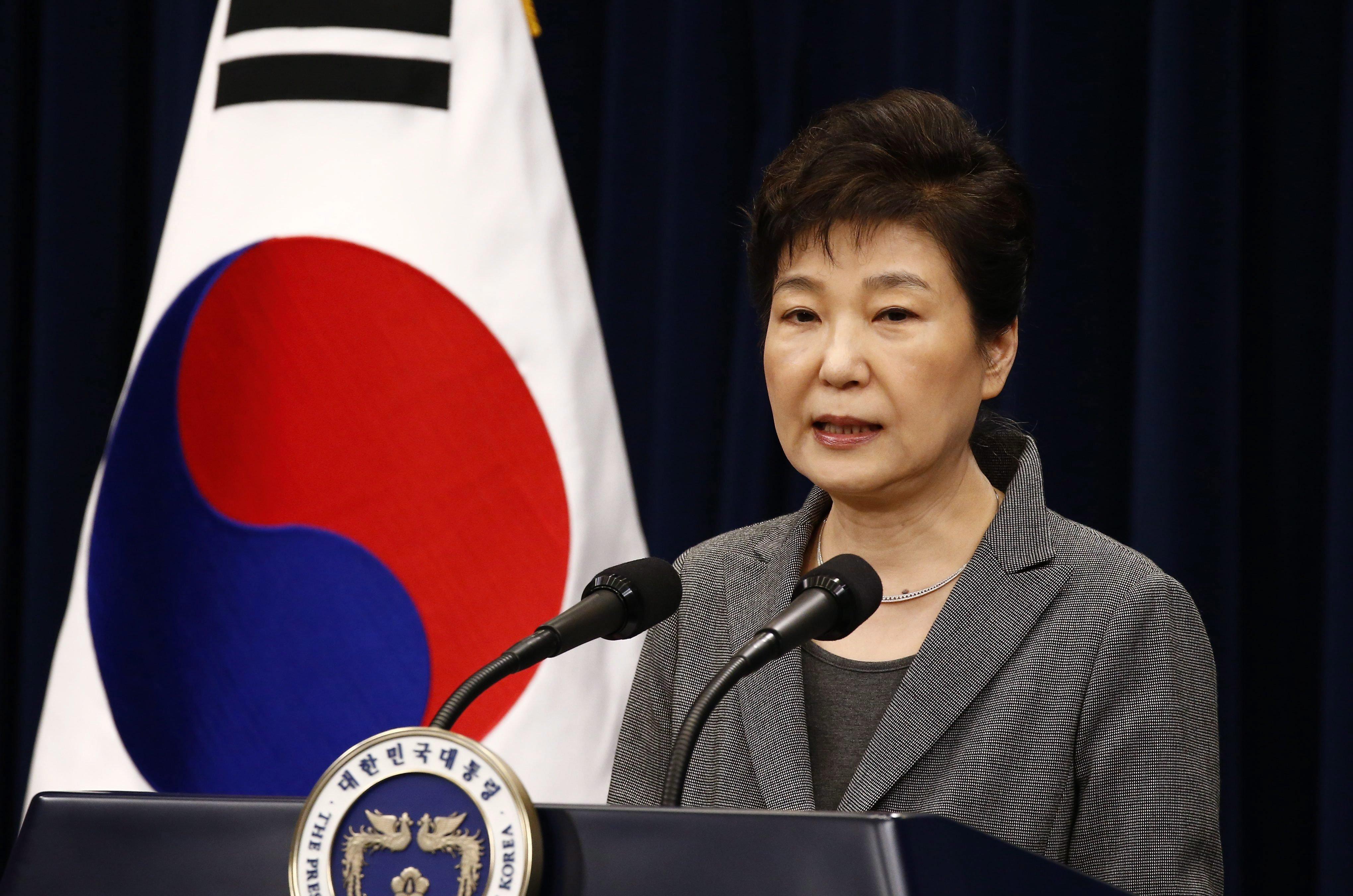 Friss hírek: A volt dél-koreai elnök összeesküvést szőtt Kim Dzsong Un ellen