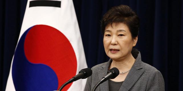 Forrás: MTI/EPA/POOL/Dzson Hon Kjun