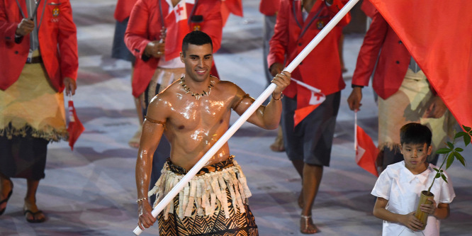 Sífutónak áll a riói olimpia legfeltűnőbb zászlóvivője