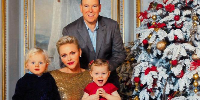 Mesés karácsonyi fotó Albert monacói hercegről és családjáról