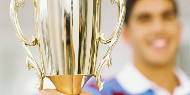Büszkeség: Egy magyar kisfiú nyerte meg a szépségversenyt Dubajban