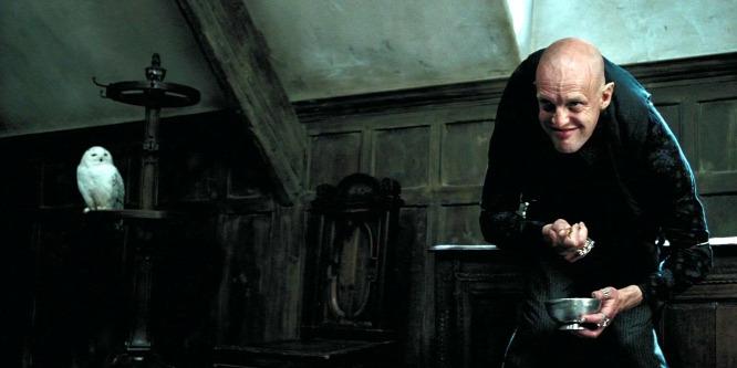 Élet és halál közt a Harry Potter színésze