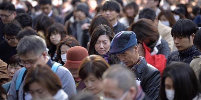 Megemlékezést tartottak Japánban a hat évvel ezelőtti katasztrófa áldozatairól