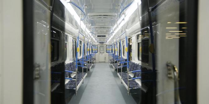 Újra járnak a felújított metrószerelvények