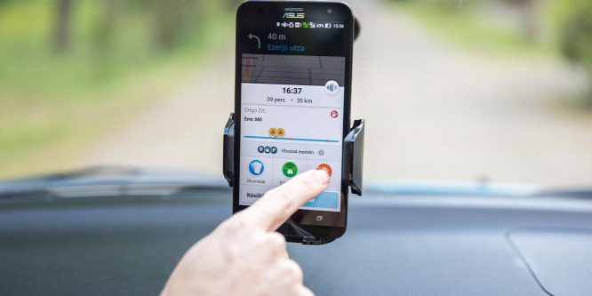 Így érdemes okostelefonról navigálni