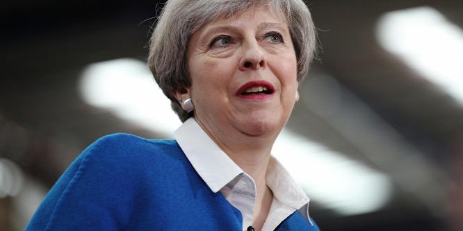 Tizedére csökkentenék az éves bevándorlást a brit konzervatívok