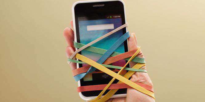 A mobilfüggőség egyre komolyabb gondokat okozhat