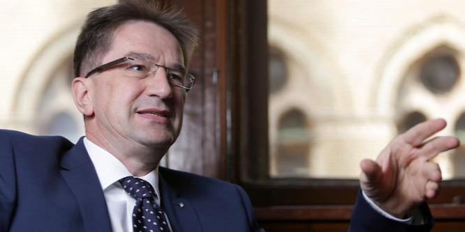 Völner Pál: Magyarország nem nyitja meg kapuit a migránsok előtt