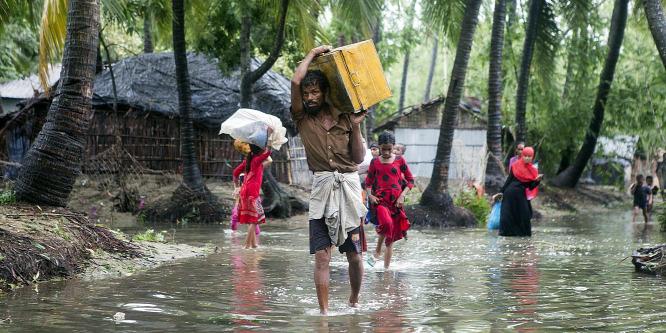 140-en haltak meg a földcsuszamlásokban Bangladesben